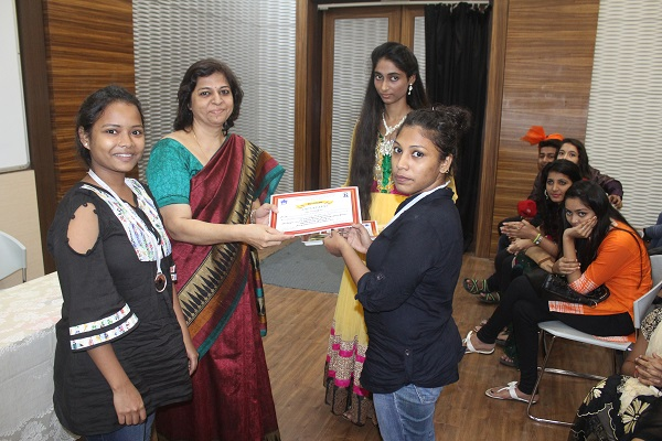 Dr. Alka Kanetkar with winners